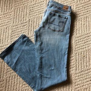NWOT American Eagle Favorite Boyfriend Jeans